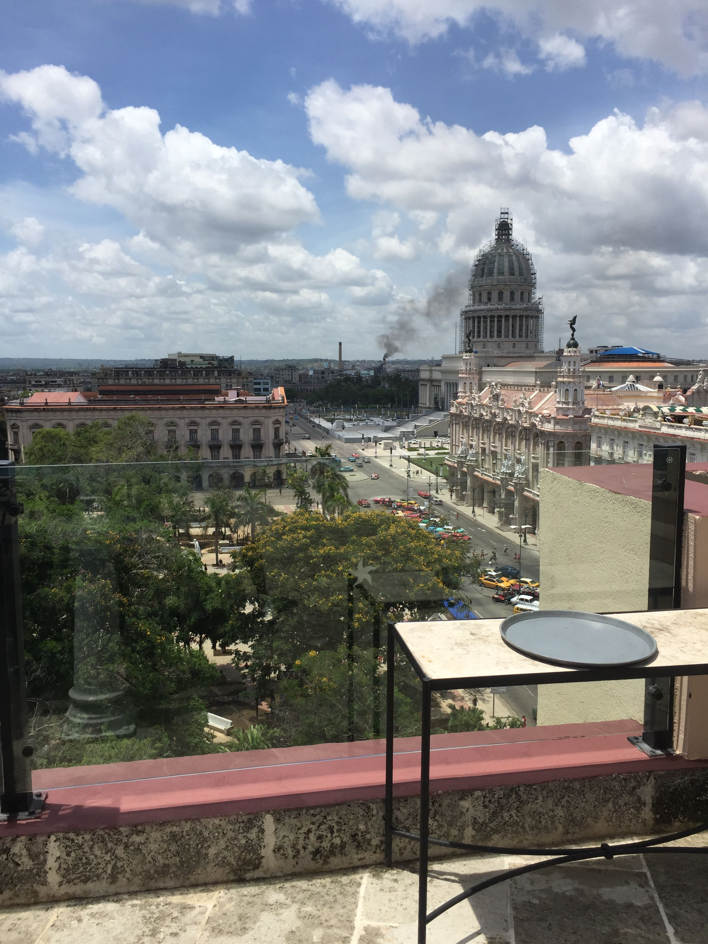 Vista Desde La Terraza Del Hotel Parque Central House Styles Mansions Cuba