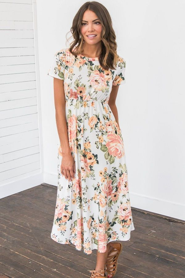 Vestido floral color melocotón y crema