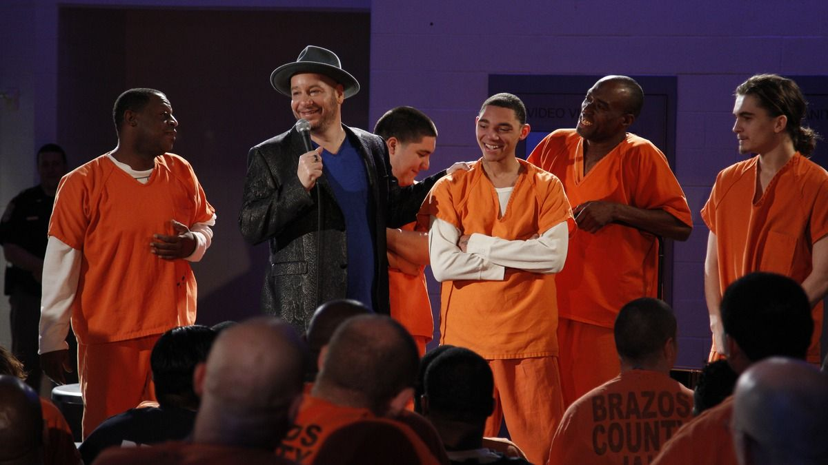 Jeff Ross Roasts Criminals: Live At Brazos County Jail is an unconventional comedy special, riding the line between a typical hour-long set and a mini-documentary. Solid in the former arena and enlightening in the latter, it fails to deliver strongly enough in either to qualify as a resounding succe