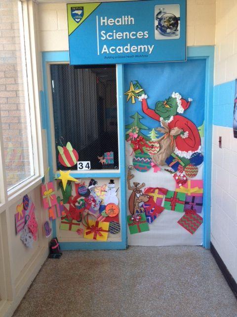 Christmas decor! Classroom door decorated for Christmas ...
