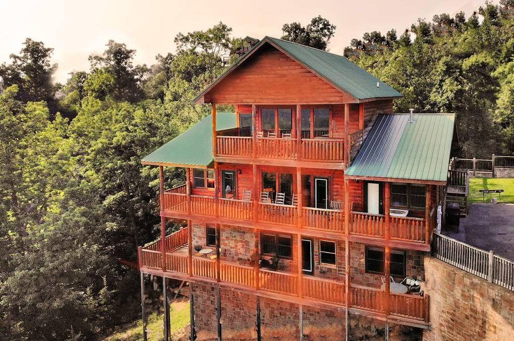 Bluebirds over the Smokies 5 Bedroom Cabin Rental