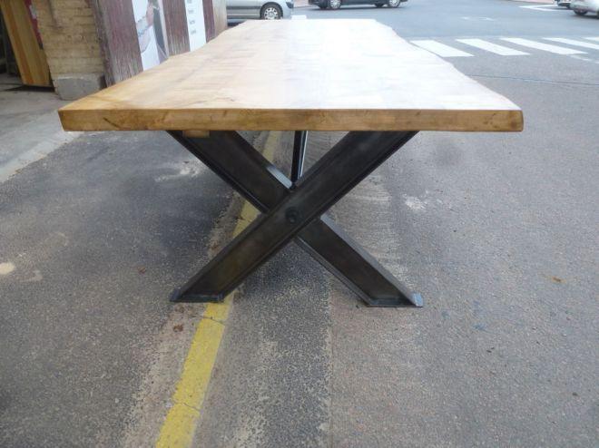 Table Ipn table industrielle de salle à manger pieds ipn en x plateau érable