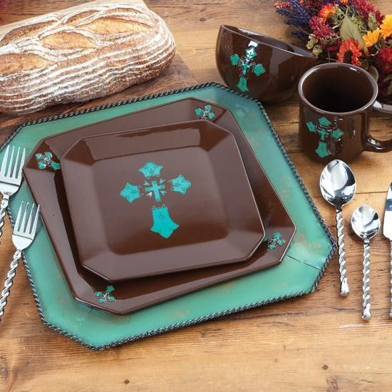 & Turquoise Cross 16 Piece Dinnerware Set