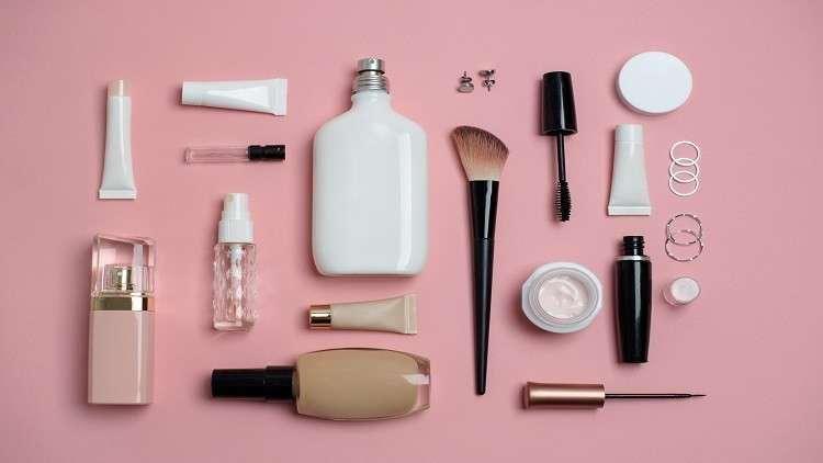 كيف تؤثر مستحضرات التجميل والعناية بالبشرة على البلوغ عند الإناث Beauty Products You Need Top Beauty Products Makeup Yourself