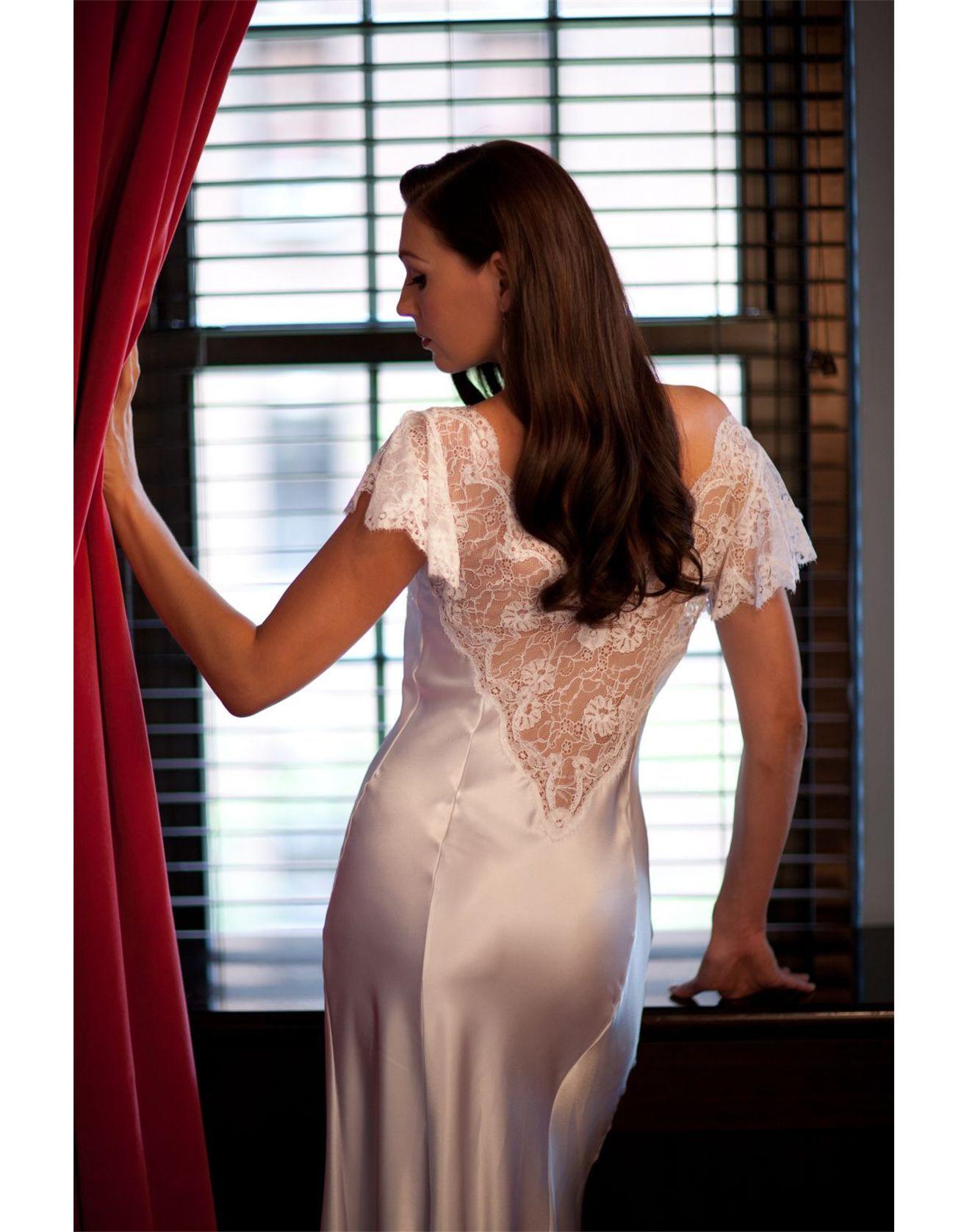 95df463ebd1d Jane Woolrich Nightdress 31712   Robe 3188