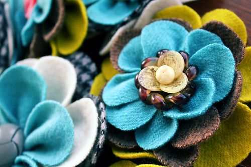 Cute felt and tweed/houndstooth flowers (no tutorial, just photo)