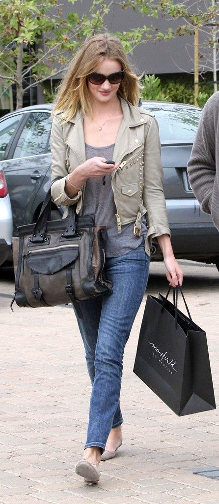Rosie Huntington-Whiteley Out Shopping At Maxfield In Malibu