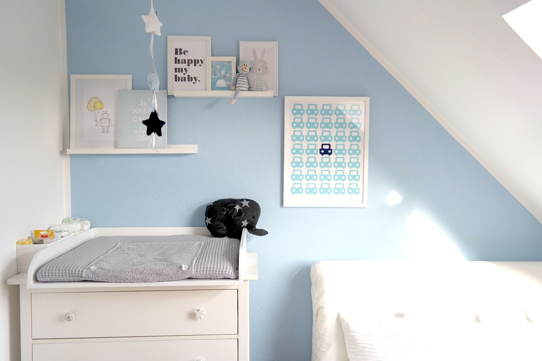 Babyzimmer bilder collage wand elefant mobilee baby 39 s only ikea hemnes wickelkommode koeka - Bilder collage wand ...