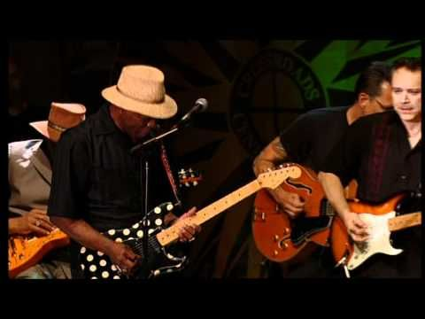 It was first recorded and is credited to have been written by robert johnson. Eric Clapton Robert Cray Buddy Guy Hubert Sumlin Jimmie Vaughan Sweet Home Chicago Live Buddy Guy Eric Clapton Jimmie Vaughan