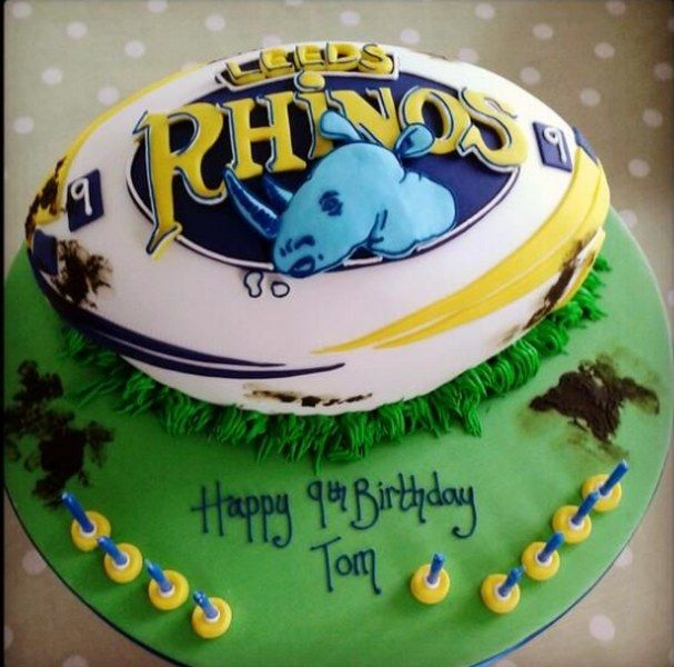 Leeds Rhinos birthday cake Birthday cakes with name Pinterest