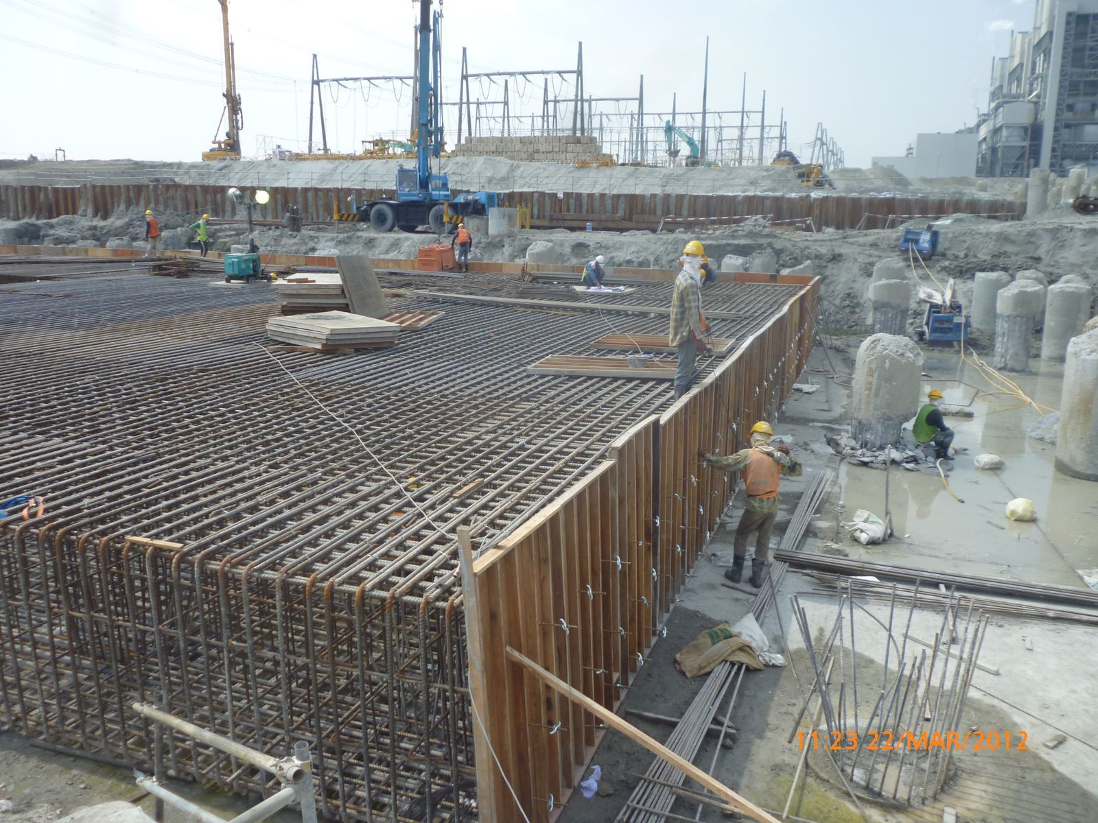 Analysis of thick raft foundation with different type of f for Types of foundation in building construction