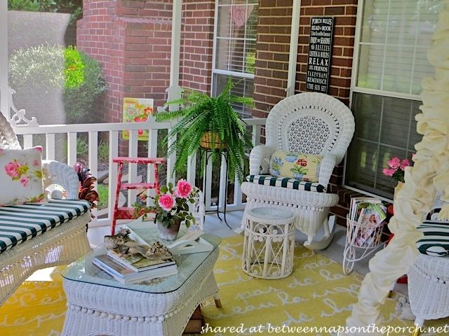 Decorate A Porch In Victorian Style And