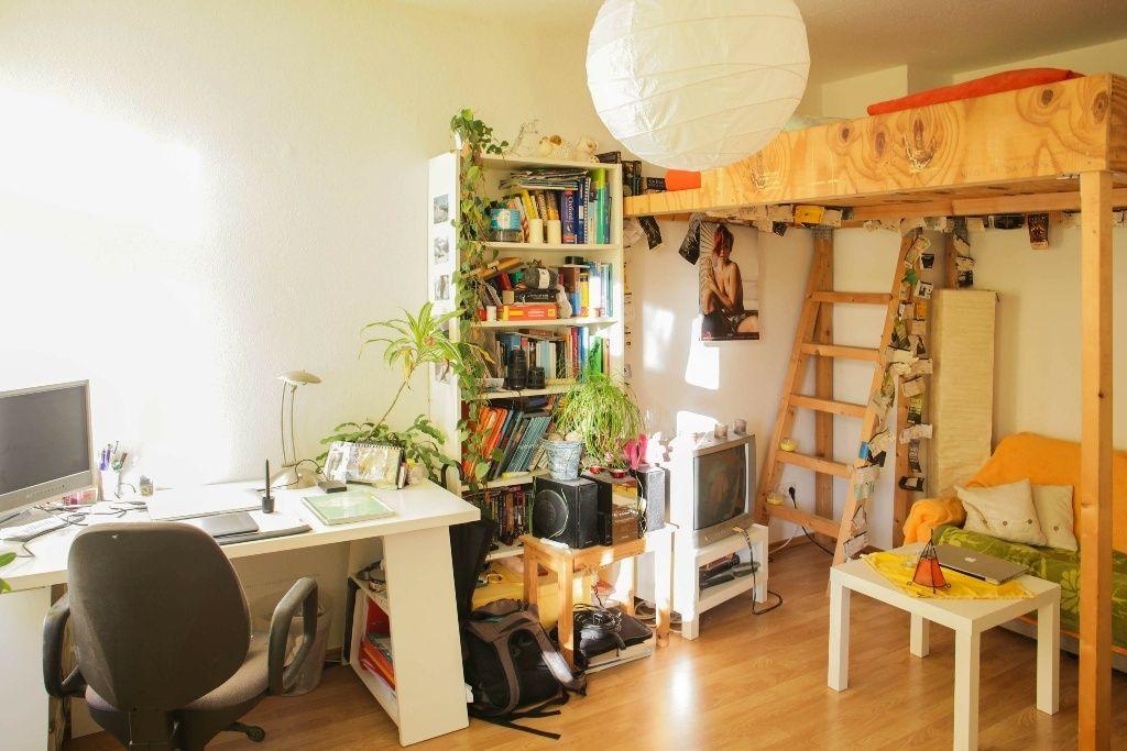 Schönes Helles WG Zimmer Mit Hochbett Und Arbeitsplatz. #WGZimmer # Schlafzimmer #Arbeitszimmer