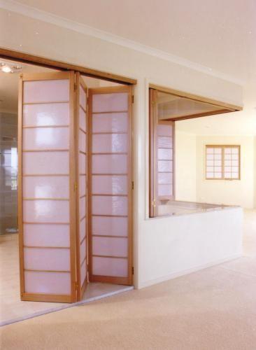 SINGPOST QUEST FOR AMUSEMENT Bi Fold Door Folding