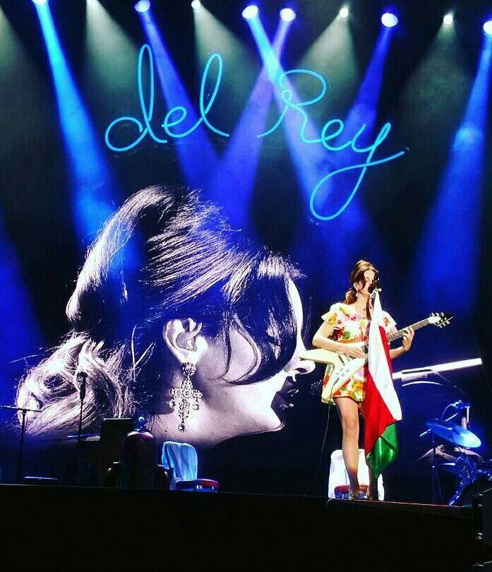 Lana Del Rey at the Corona Capital Festival in Mexico City #LDR