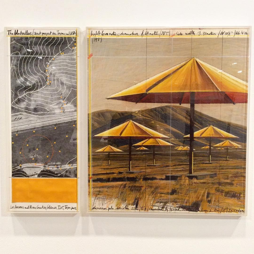 水戸芸術館にクリストとジャンヌクロード アンブレラ 日本 アメリカ合衆国 1984-91の内覧会に行ってきました#arttowermito #christo #umbrellas
