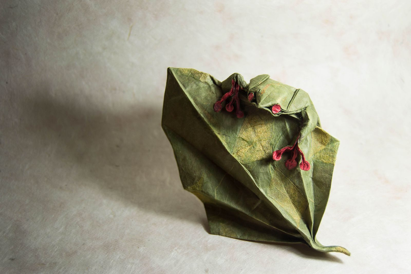 Climb peaks origami frog origami and frogs unimaginable origami craftsmanship by spanish craftsman gonzalo calvo jeuxipadfo Image collections