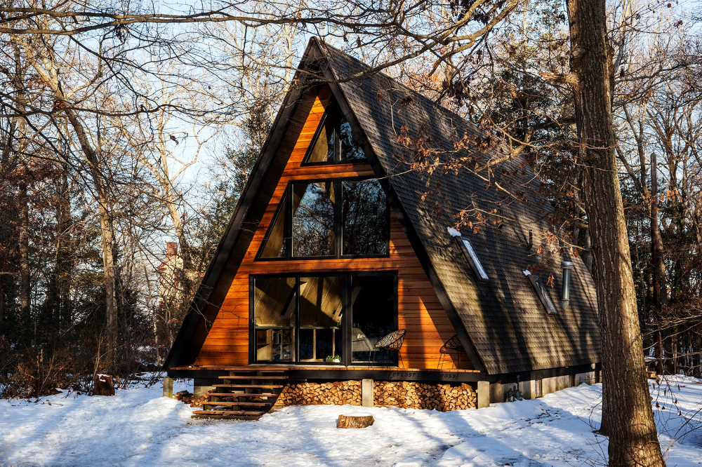 Photo 1 of 20 in 20 A-Frame Homes We Love from 20 Modern Winter…
