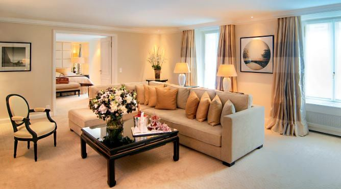 The Baur au Lac has the discerning tastes of its guests to thank for the leading position it has maintained for more than 165 years in the international luxury hotel industry. Set in its own park, the hotel enjoys a unique location overlooking the lake and the Alps – and yet is still but a few minutes' walk from the Paradeplatz financial district and the Bahnhofstrasse, Zurich's celebrated shopping high street. While offering the ultimate in comfort, luxury and privacy, the rooms and suites…