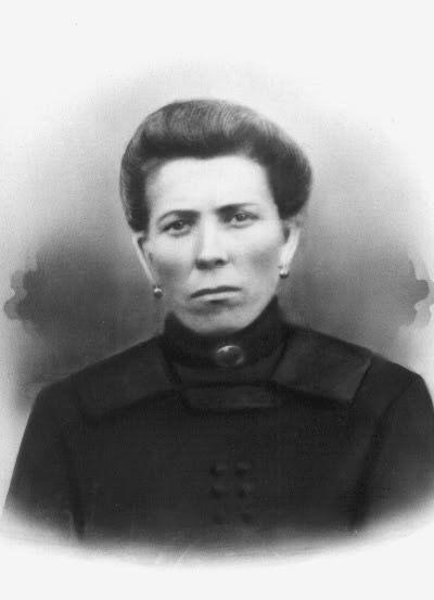 Johanna Postma, 1880-1918, zuster van Rienk Postma, overleden tijdens de Spaanse griep epidemie