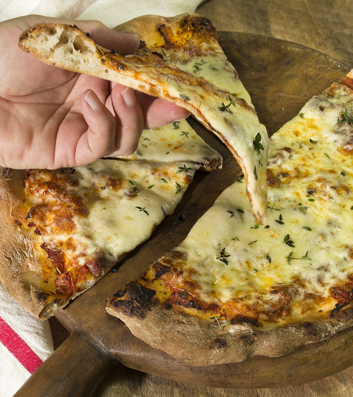 Pizza Rapida Y Sencilla En 30 Minutos La Cocina De Frabisa Receta Comida Recetas Para Cocinar Recetas De Pizza