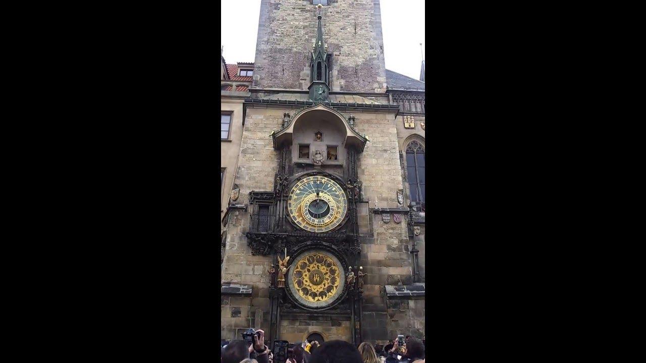 Antigo Relógio Astronômico de Praga em ação! Memórias