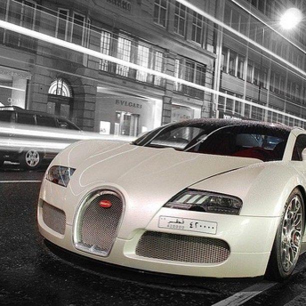 Gorgeous White Bugatti Veyron Fahrzeuge Autos Restaurieren