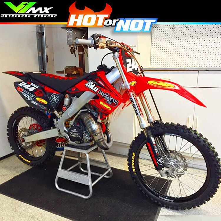 Motocross Enduro Webshop On Instagram Hot Or Not Honda Cr250 Build By Brently244 Hotornotmx Dirtbike Dirtbikes Mo Dirtbikes Cool Dirt Bikes Motocross