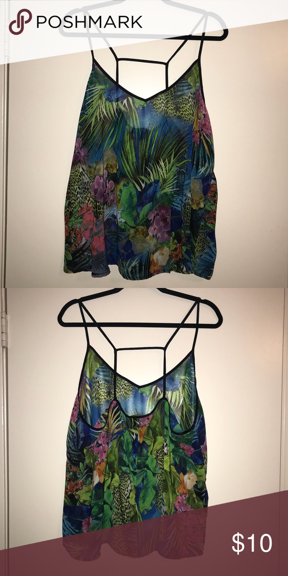 Jungle pattern top F21 jungle pattern top. Loose fit Forever 21 Tops Tank Tops #junglepattern