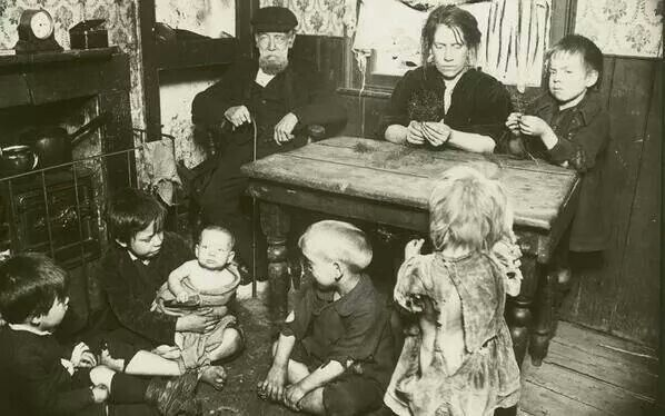 One Family Living In One Room 1880 S Bethnal Green London London Museums Historical London Photo