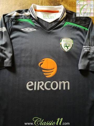 f9633aa34a2 Official Umbro Republic of Ireland 3rd football shirt from the 2008/09  international season.
