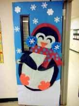40 Simple DIY Christmas Door Decorations For Home And School (30) - CoachDecor.com #christmasdoordecorationsforschool