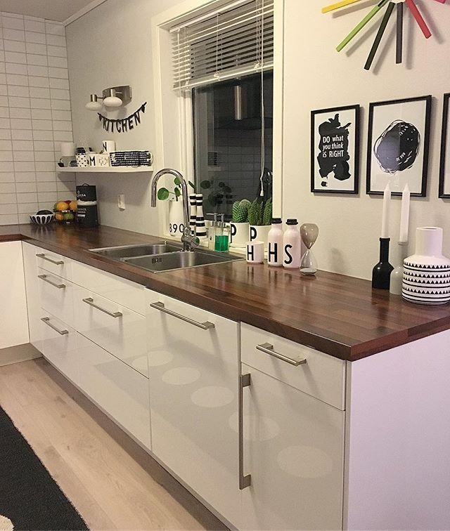 K i T c h e N💛 #livingroom #living #nordiskehjem #nordisk #interior #interiordesign #interior4all #interior4you1 #tips #tips4life #elisabeth_hjem #home #homedecor #homesweethome #homedesign #skandinaviskehjem #skandinaviskahem #myhome #mitthem #mitthjem #kitchen #kjøkken #kjøkkeninspirasjon
