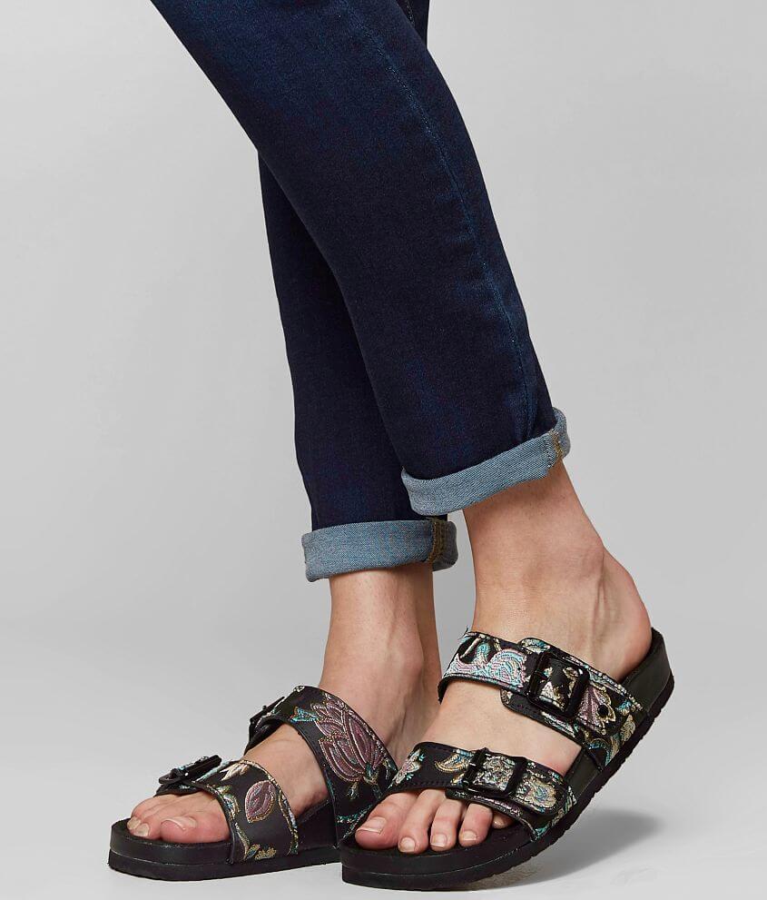 Madden Girl Womens Brando Flat Sandal