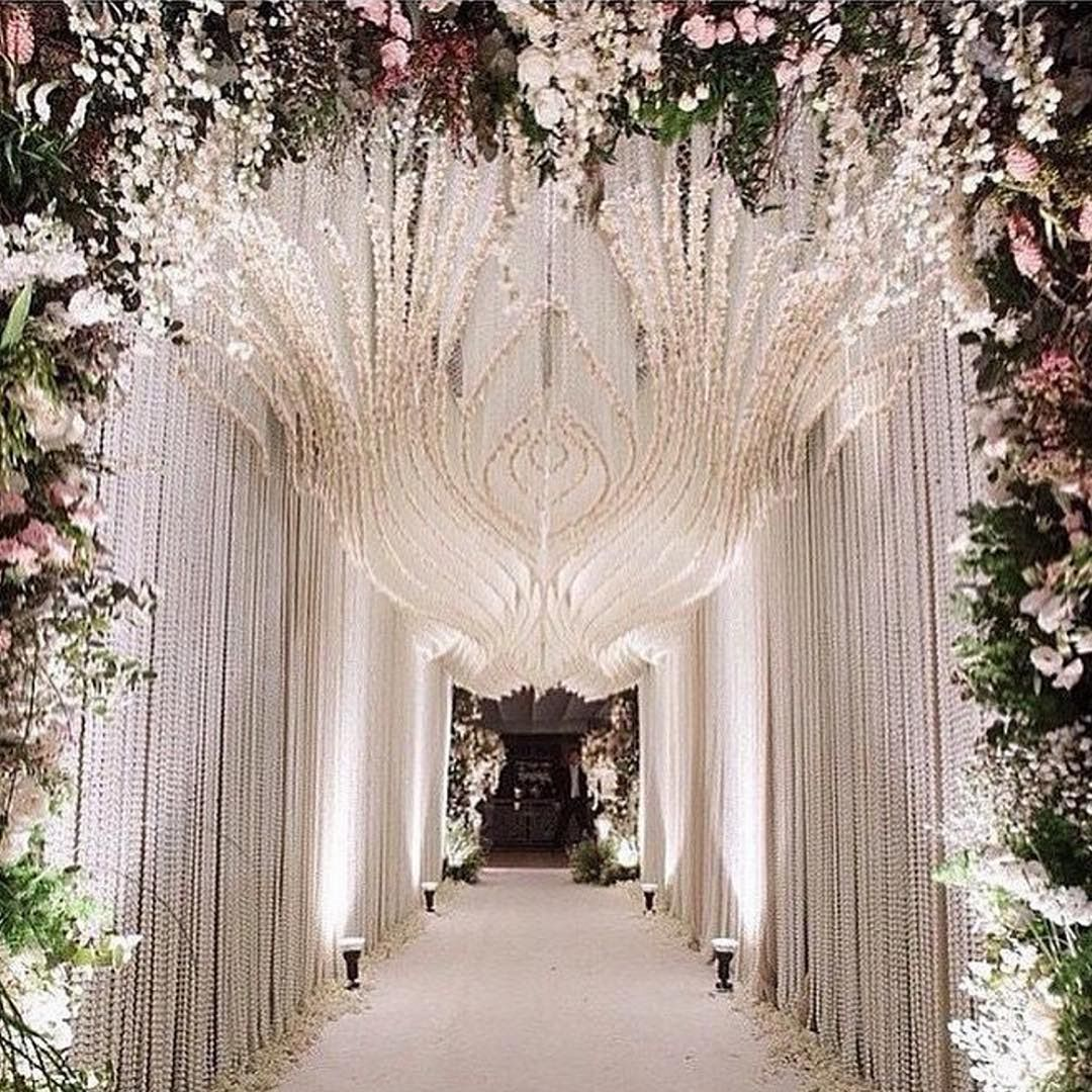 5 Creative Wedding Entrance Walkway Decor Ideas