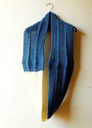 Strickanleitung Loop-Schal in Netzmuster aus Sockenwolle in zwei ...