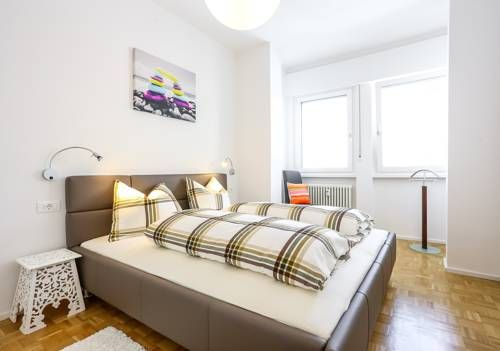 Andreas Hofer Residence Bolzano Andreas Hofer Residence offers accommodation in Bolzano, 500 metres from Bolzano Christmas Market and 1.2 km from Funivia Colle. The property is 1.6 km from Funivia S. Genesio - Seilbahn Jenesien and private parking is provided.