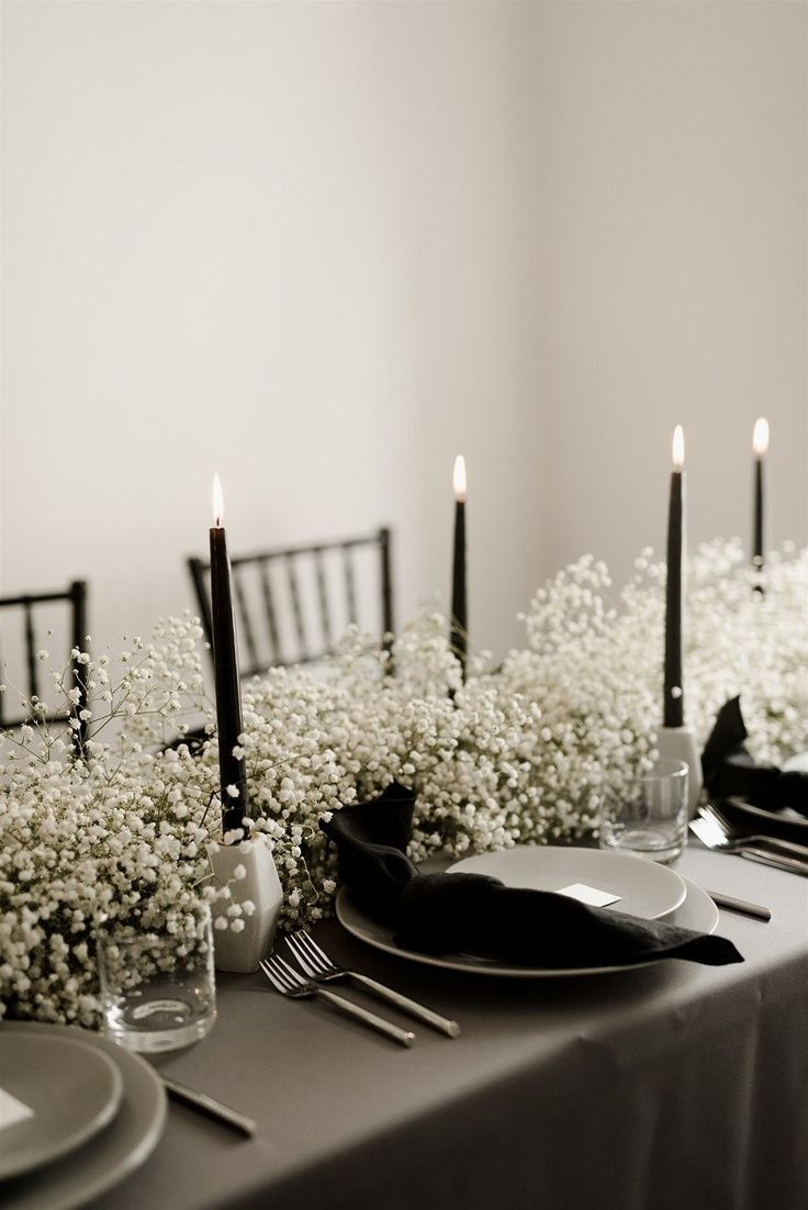 Baby's breath black wedding table setting - Moody Wedding Ideas #Monochrome #BlackandWhiteWeddingIdeas #BlackWeddingIdeas #MonochromeWeddingIdeas #MoodyWeddingIdeas #MoodyWeddingPhotography #weddingtablescape #weddingtabledecor #monochromaticweddingtable
