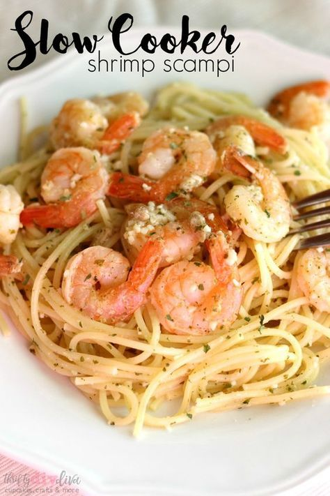 Slow Cooker Shrimp Scampi: Easy Crock Pot Dinner Recipe - If you love shrimp scampi, you're in for a treat. This slow cooker shrimp scampi recipe can be made in the crock pot, so you can set it and forget it! Eat it alone, or make it with your favorite pasta (I used thin spaghetti for this recipe).