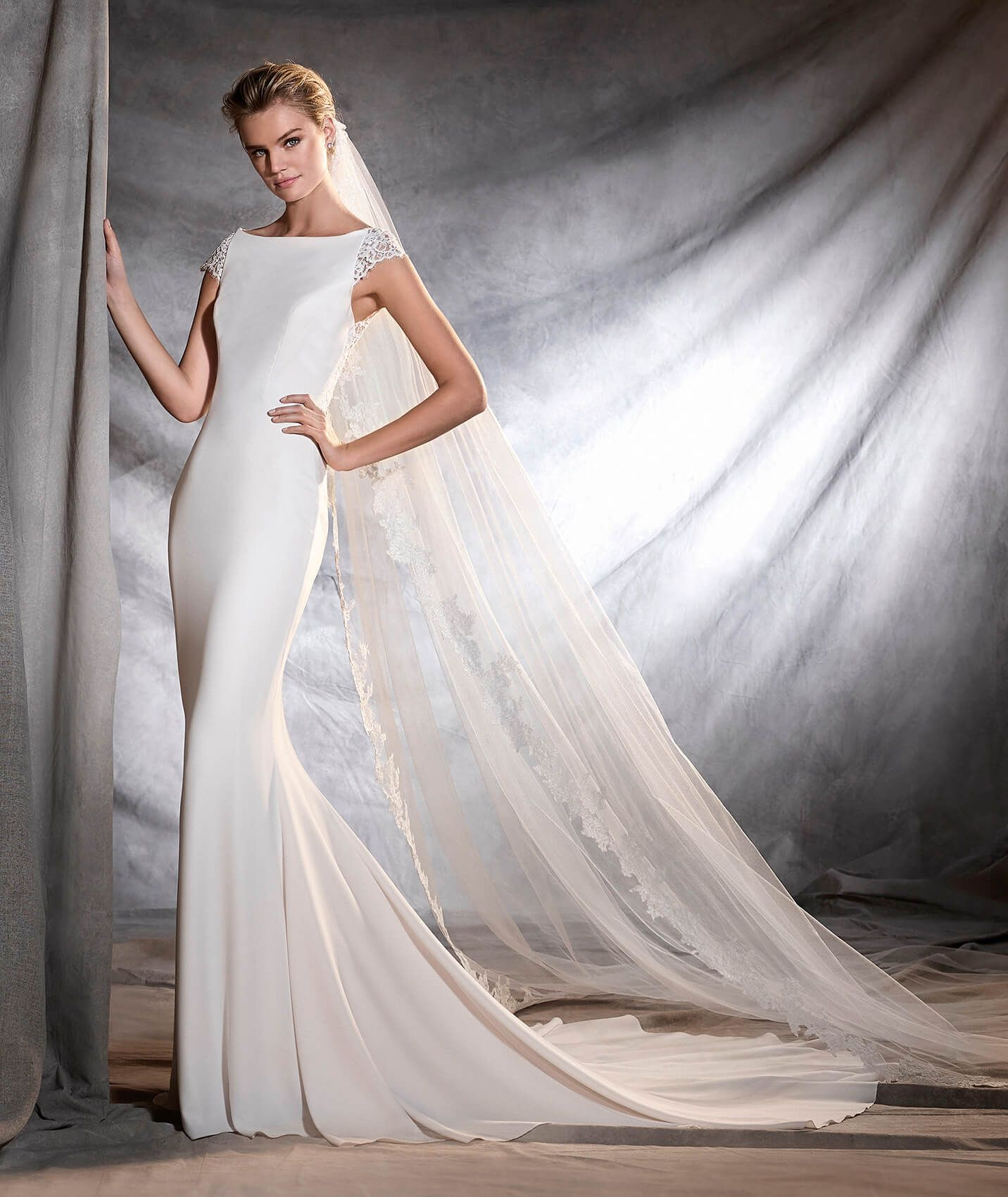 OLBIA - Wedding dress in tulle, crepe and lace | Once upon a ...