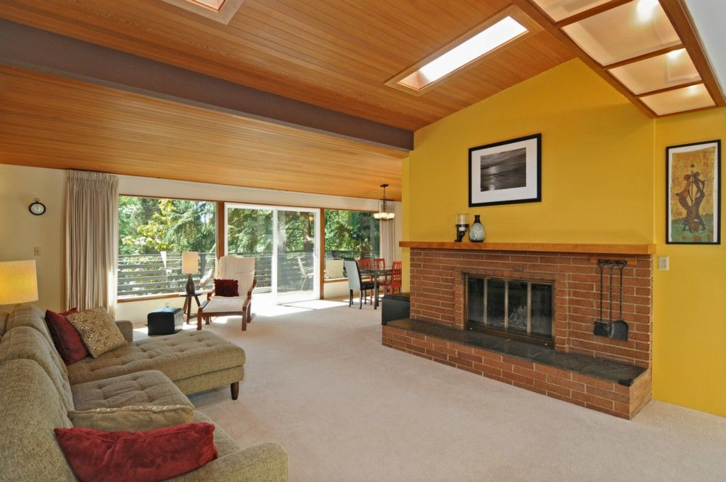4531 Ne 106th St Seattle Wa 98125 5 Beds 3 Baths Brick Fireplace Luxurious Bedrooms Red Brick Fireplaces