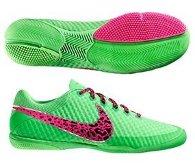 Soccer boots, Futsal shoes