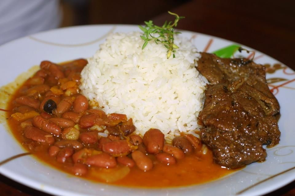 Bandera Dominicana What Dominican Mostly Eat White Rice Beans And Meat Dominican Food Dominican Republic Food Food