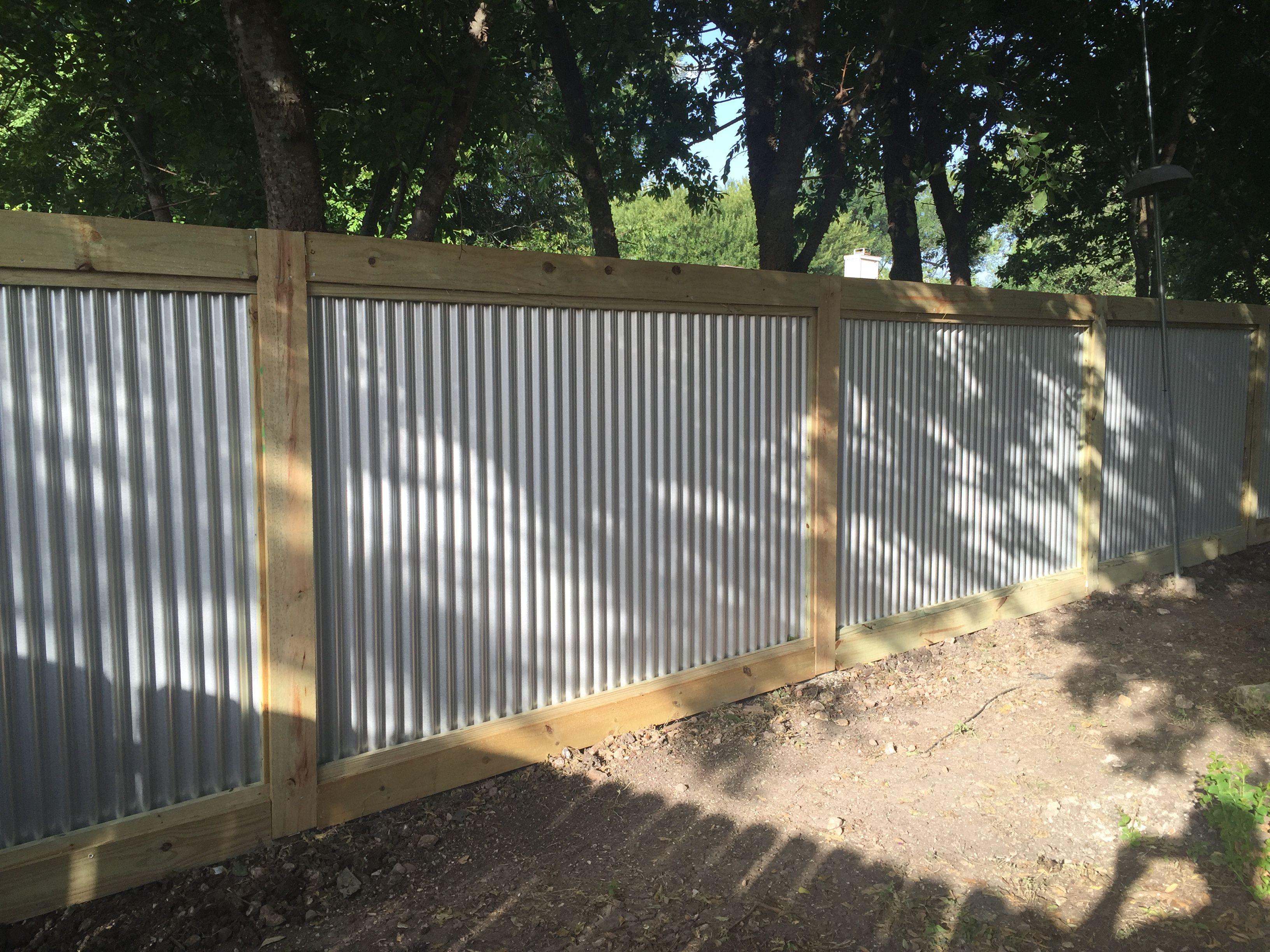 valla de metal corrugado vallas metlicas esgrima cerca de acero ideas para cercas ideas para el patio trasero perreras proyectos al aire libre - Cercas Metalicas