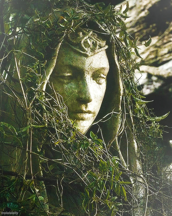 Statue of:  Calithilien Queen of Mirkwood (Thranduil's wife)
