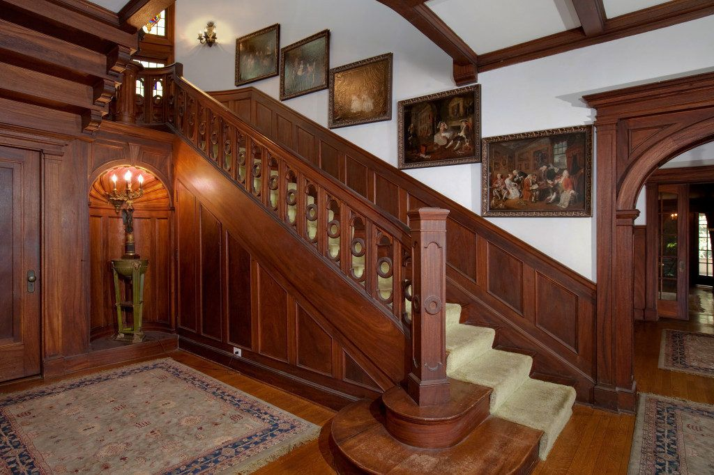 Take a Final Walk Through the American Horror Story House, Which is Actually Super Cute Inside - Sold Stuff - Curbed National
