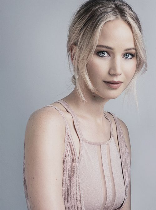 Your best Tumblr source for the Oscar-winning actress, Jennifer Lawrence.