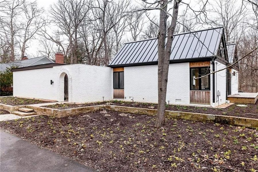 This Howard H Wolner Designed Mid Century Modern Home In Indianapolis Indiana Was 1966