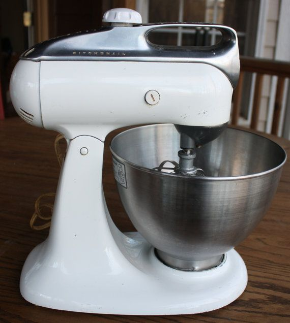 1960 Vintage White Kitchen Aid Stand Mixer with Beater and ...