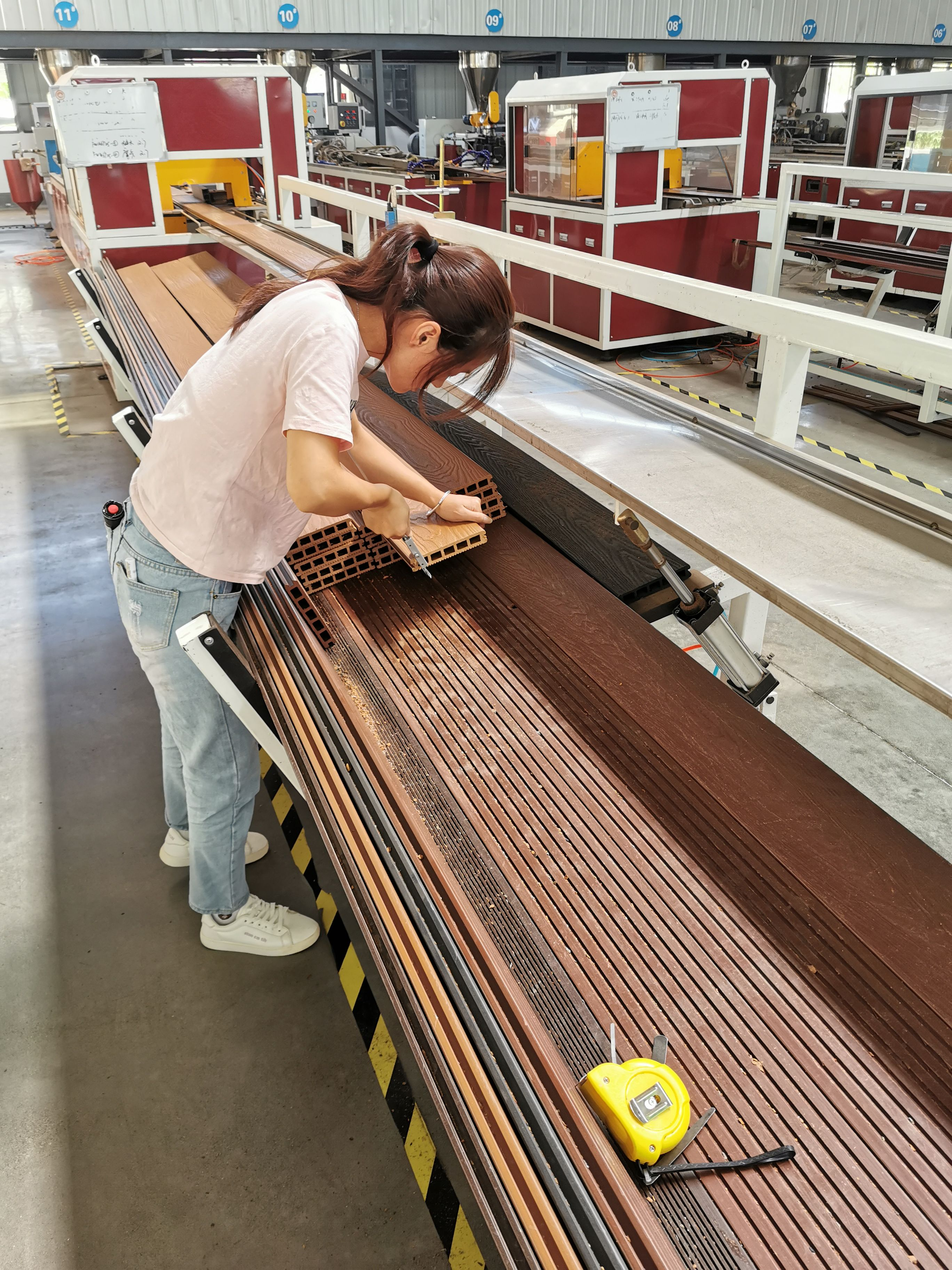 Our staff is doing quality checking on production line